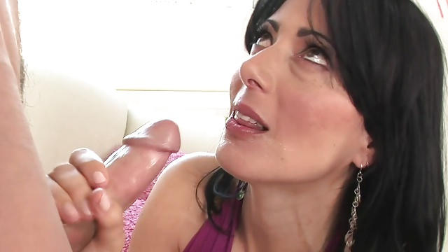 Sexy mature milf cougar in stockings fucks great
